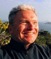MinR Dr. Robert Bechina